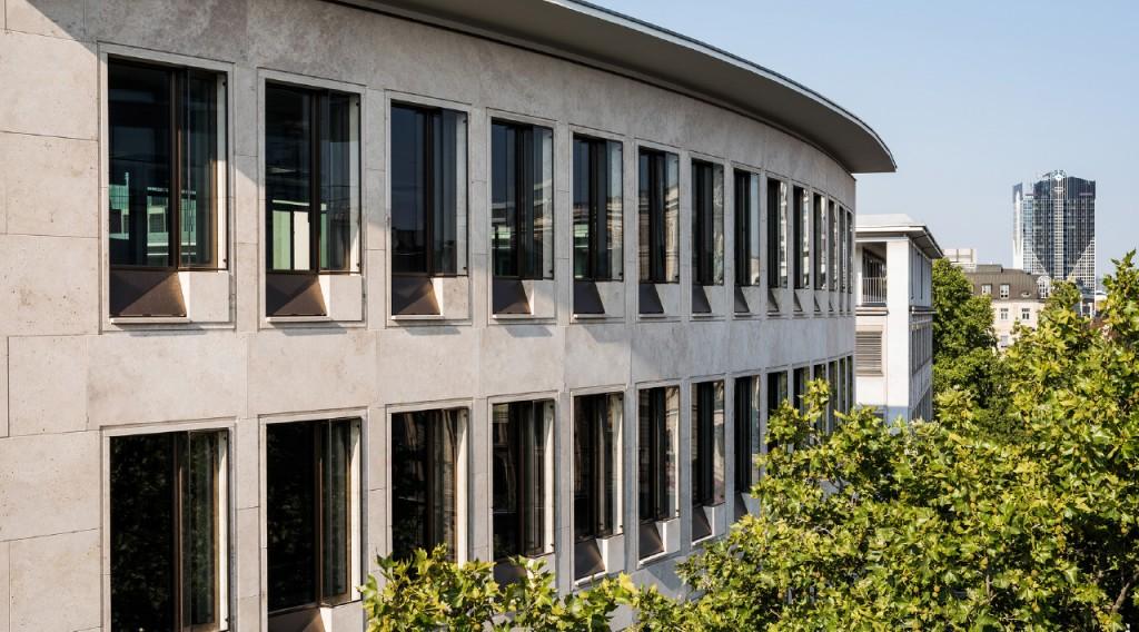 Nahansicht Buero - Kanzlei Lennert Schneider & Partner Frankfurt